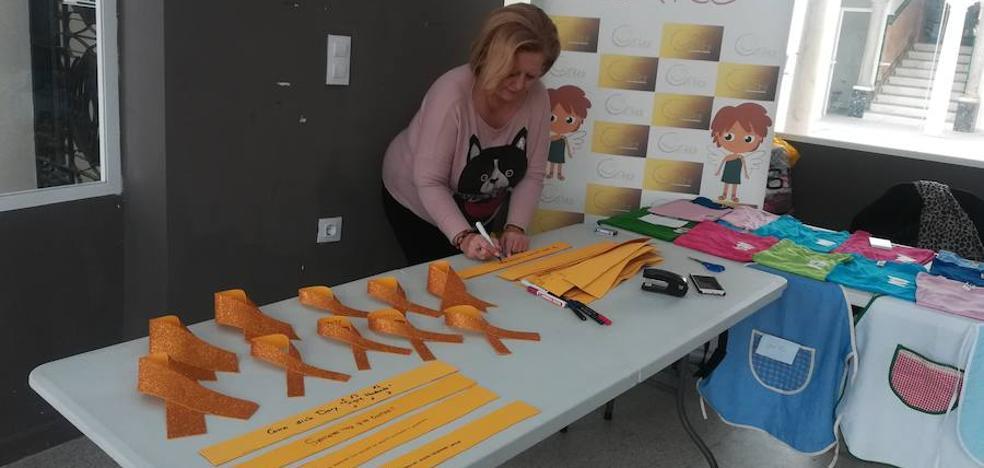 Fundación Ícaro busca llenar de lazos amarillos la calle Sevilla
