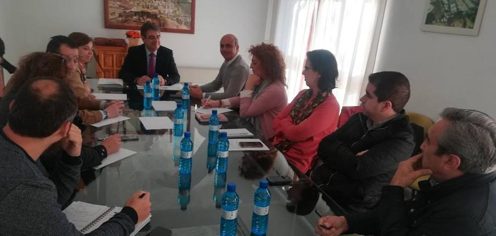 El Secretario General de Economía y Comercio visita a las asociaciones empresariales y de comerciantes de Zafra