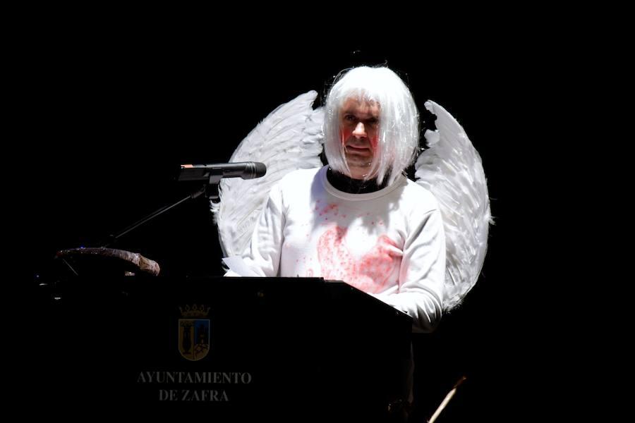 Fernando Mayal hace reír con su pregón a sus «4.500 asistentes»