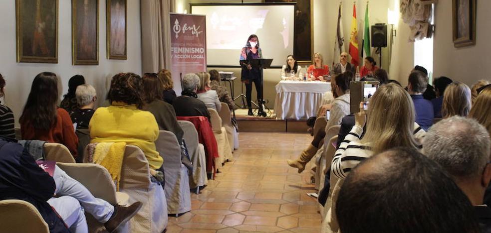 El alcalde de Zafra destaca el papel de las Universidades Populares para las mujeres del mundo rural