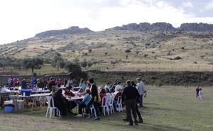 Una recogida de basura en el entorno de La Albuera, primera actividad de Zafra en Verde
