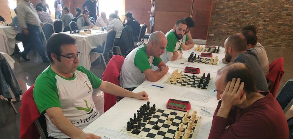 Manuel Pérez Candelario termina invicto en el Campeonato por equipos de Ajedrez