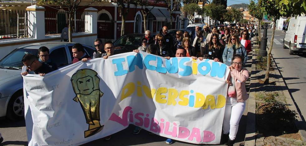 La XI Marcha por la Diversidad de Down Zafra congrega a unas 400 personas