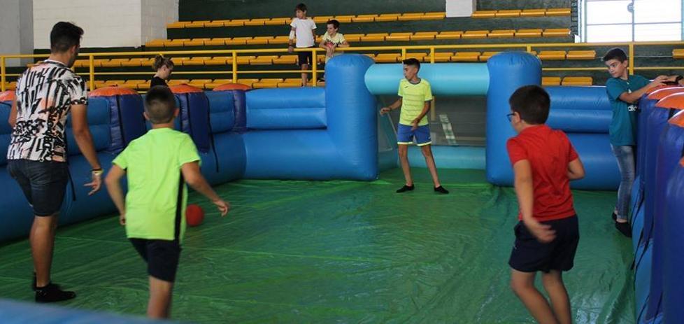 El alcalde anuncia la construcción de un nuevo polideportivo junto al Instituto Suárez de Figueroa