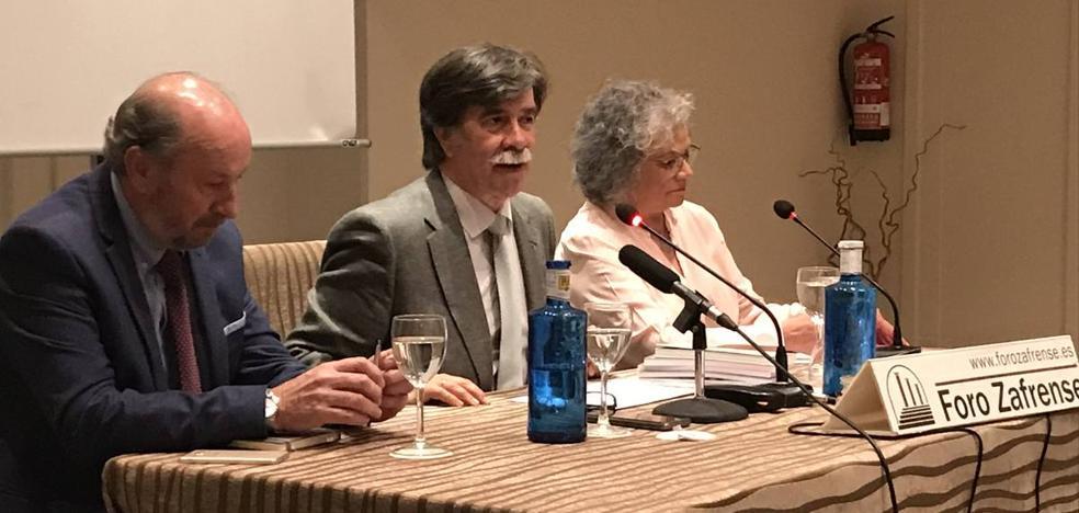 Javier Urra ofreció la vigésima novena conferencia del Foro Zafrense centrada en la juventud y sus retos