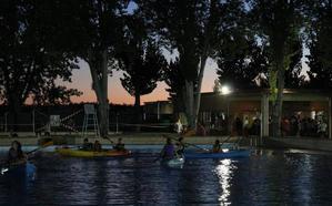 La III Noche en Blanco logró recaudar 1.496 euros para la Asociación Oncológica Extremeña (AOEx), Cáritas y Zafra Solidaria