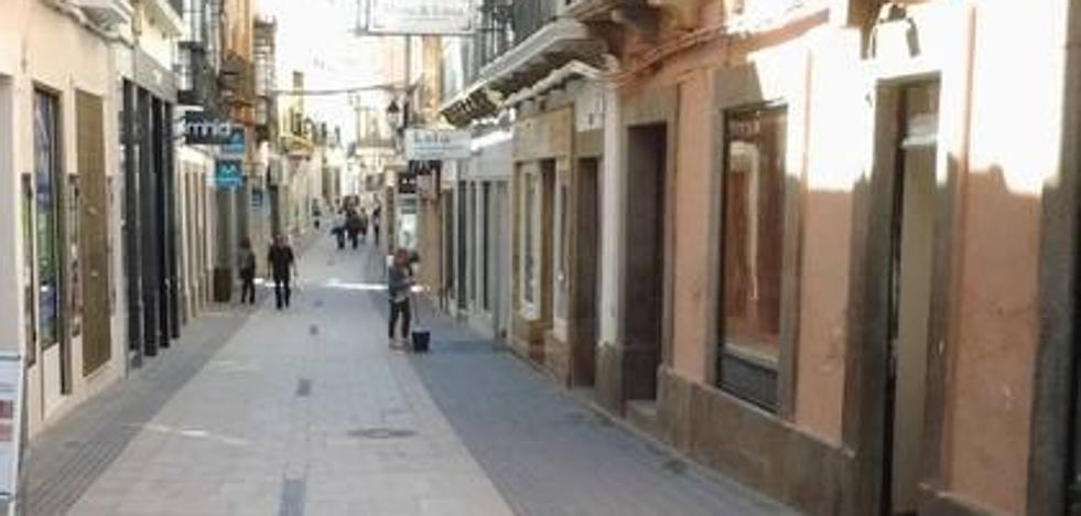 Los comercios adheridos a la Asociación de Empresarios sacarán sus productos en la calle Sevilla