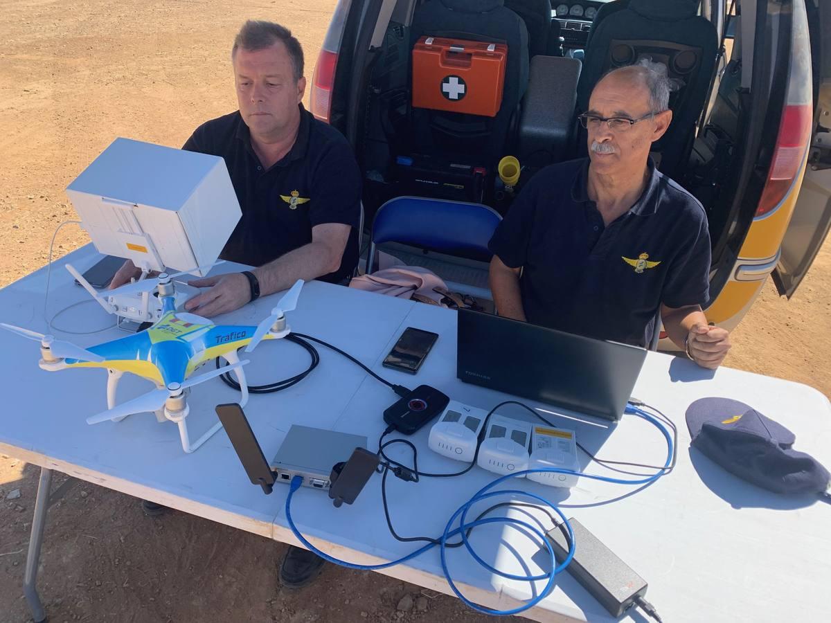 Un dron vigiló por primera vez el tráfico y la seguridad de la FIG controlado por dos pilotos de Unidad de Medios Aéreos de la Dirección General de Tráfico