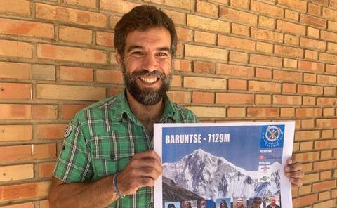 El montañista David Barrena podría ser el primer extremeño en coronar el pico Baruntse de 7.129 metros de altura