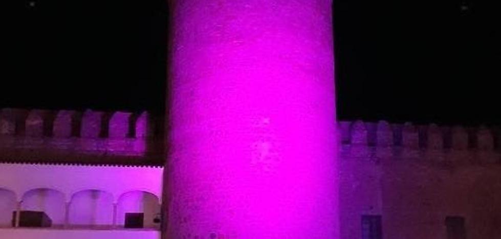 El Parador de Turismo vuelve a vestirse de rosa para conmemorar el Día de la Lucha Contra el Cáncer de Mama