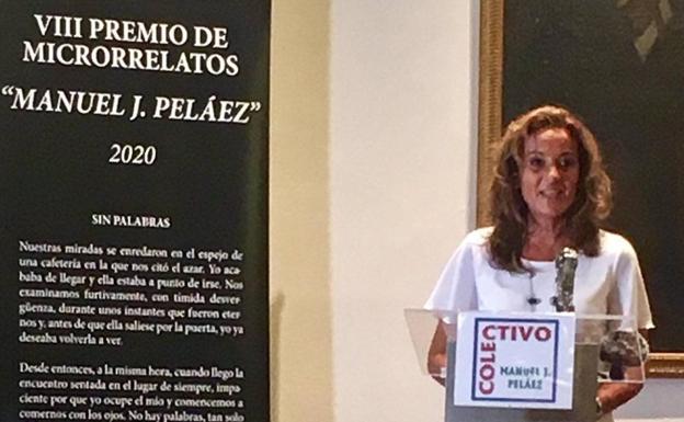 Margarita del Brezo recogió agradecida el VIII Premio de Microrrelatos del  Colectivo Manuel J. Peláez | Zafra - Hoy