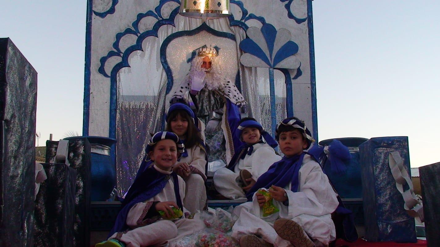 Los Magos de Oriente trajeron magia e ilusión a las calles de Zalamea