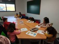 Los más pequeños llenaron la Navidad de creatividad en los talleres del centro cultural
