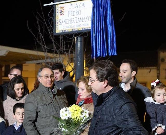 La localidad dedica una plaza al concejal socialista Pedro Sánchez Tamayo