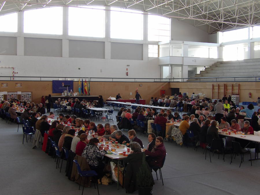 Arte y tradición en el V Encuentro nacional de encajeras de bolillo en Zalamea