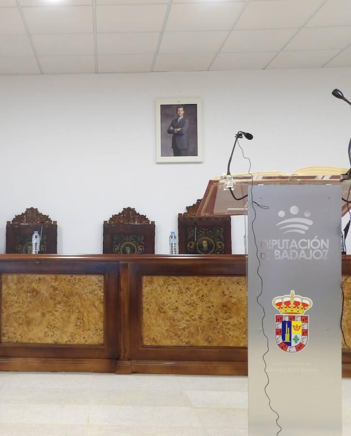 El sillón del alcalde de Zalamea continúa vacío