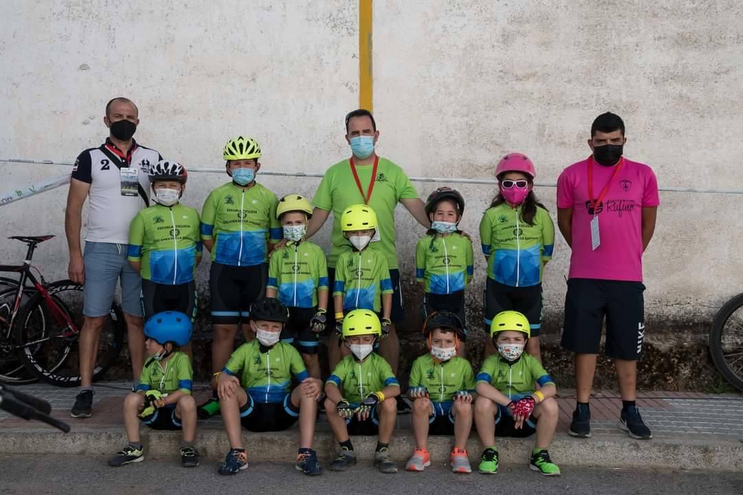 11 alumnos de la Escuela Ciclista participan en la última prueba de los JUDEX autonómicos en Quintana