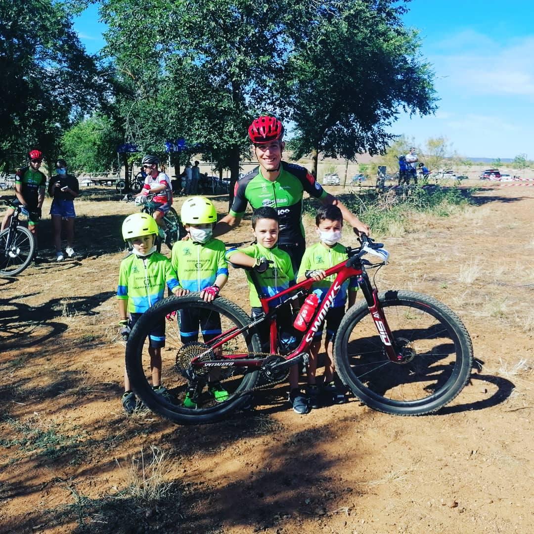 Cuatro alumnos de la escuela ciclista 'Diexle Zalamea' participan en el campeonato de Extremadura XCO
