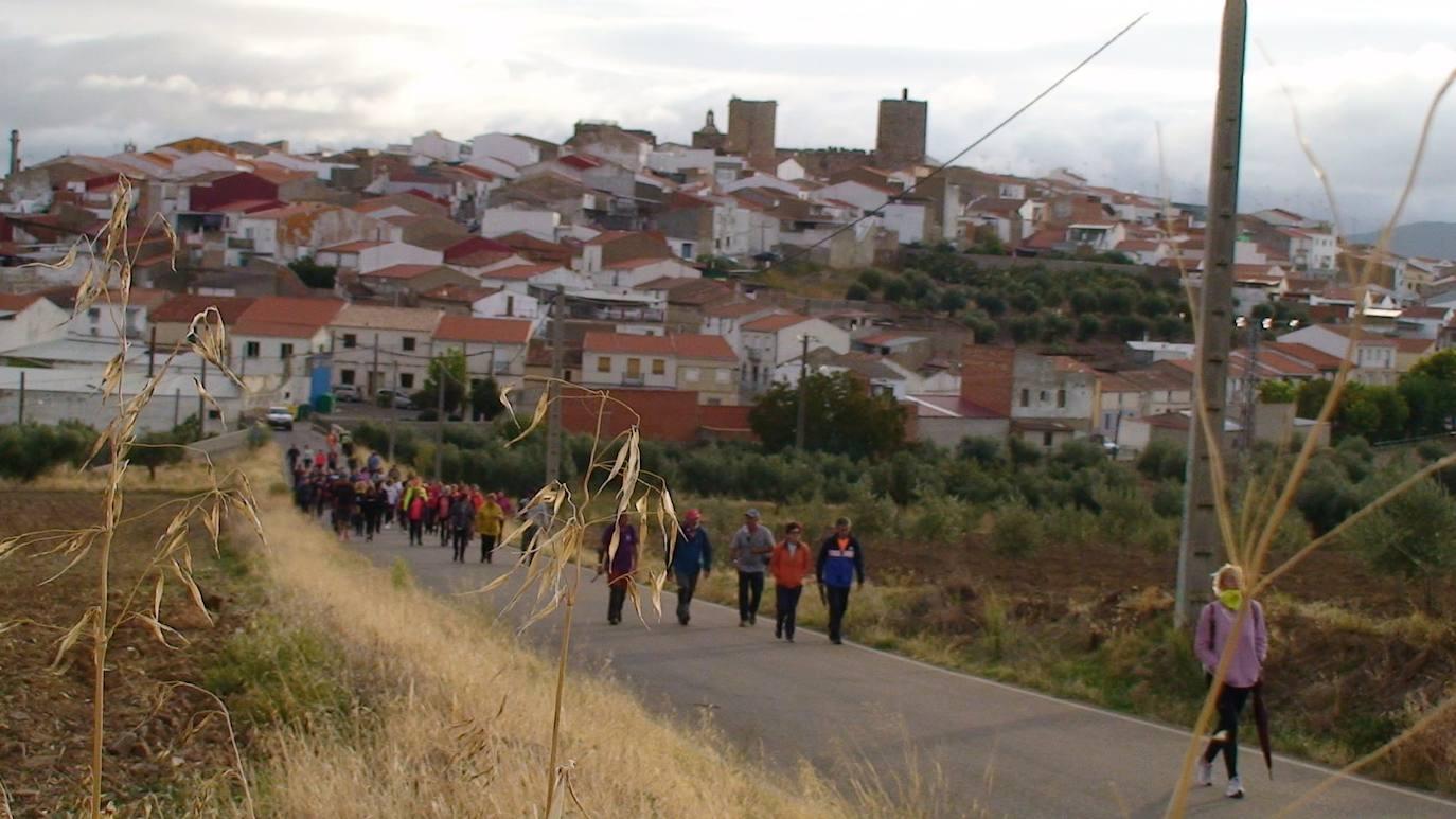Decenas de personas paticipan en la VII edición de la Ruta de los Tartesos