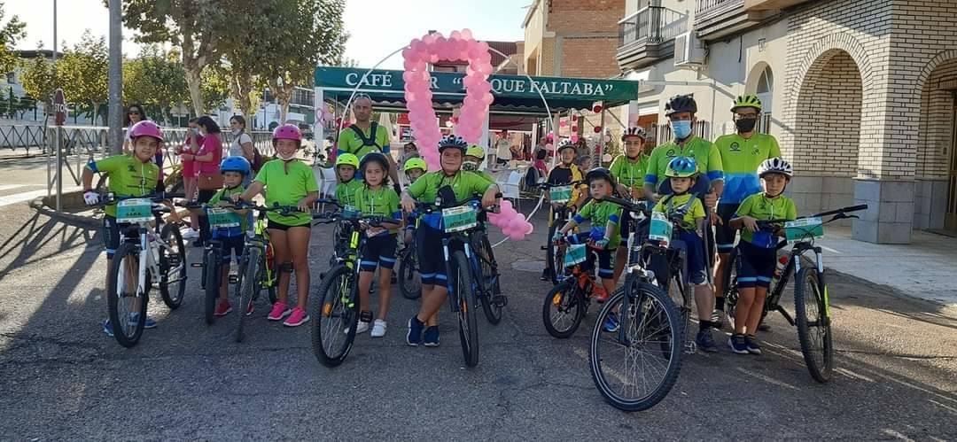 La Escuela Ciclista Diexle Zalamea organiza una 'marcha rosa' con motivo del Día Internacional Contra el Cáncer de Mama